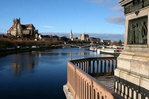 Autoverhuur Auxerre